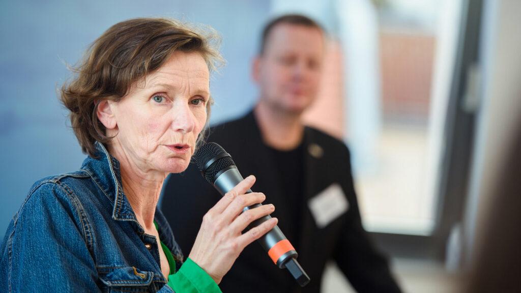 Digitale Infrastruktur im Kulturbereich - Esther Cleven (Bauhaus Archiv) diskutiert auf der kulturBdigital Konferenz 2020